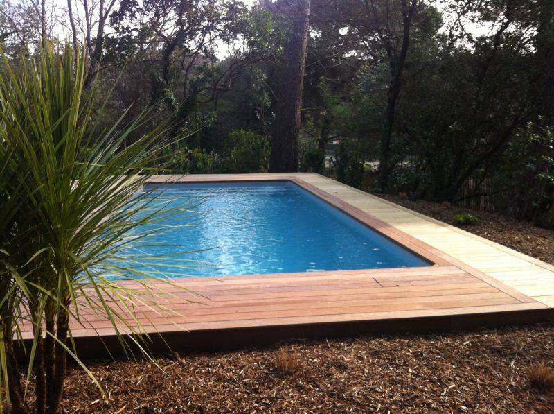 Piscine traditionnelle cap ferret fm piscines for Construction piscine 65