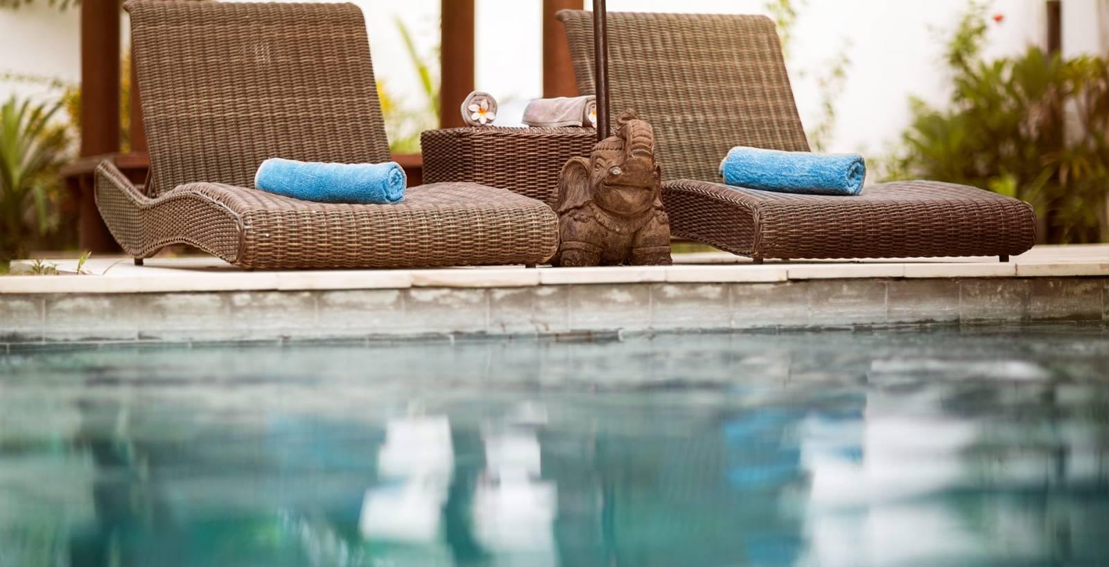 Constructeur de piscine pas cher sur bordeaux fm piscines for Constructeur de piscine